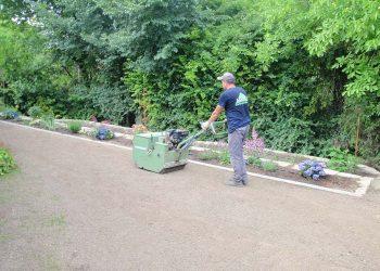 Grasanbau mit hydrostatischer Grassaemaschine